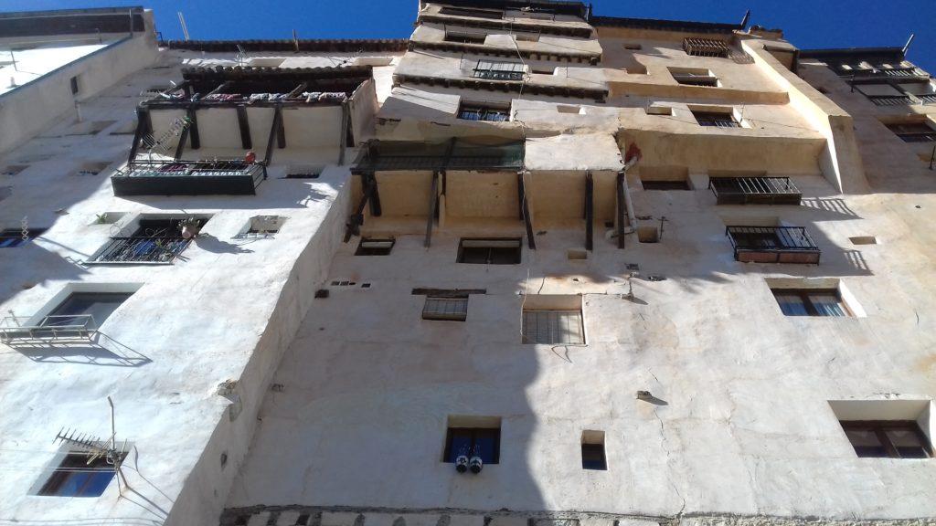 Fachada de las casas popularmente conocidas como rascacielos en el barrio de San Martín  Macu Llorente