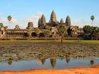 Turistas en Angkor (Camboya).