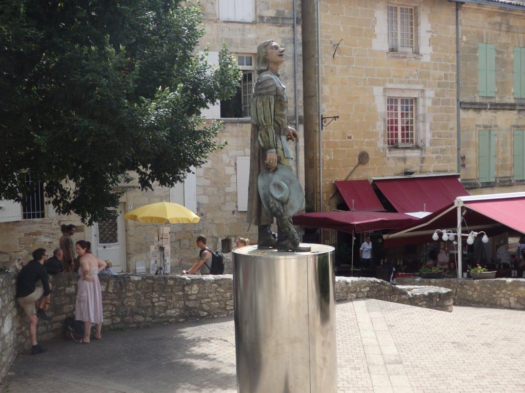 Estatua de Cyranno en Bergerac. Autor: Héctor González (Solo Queremos Viajar).