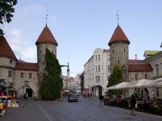Vista de la Puerta de Viru (Tallin, Estonia). Autor: Diego Delso/Wikipedia