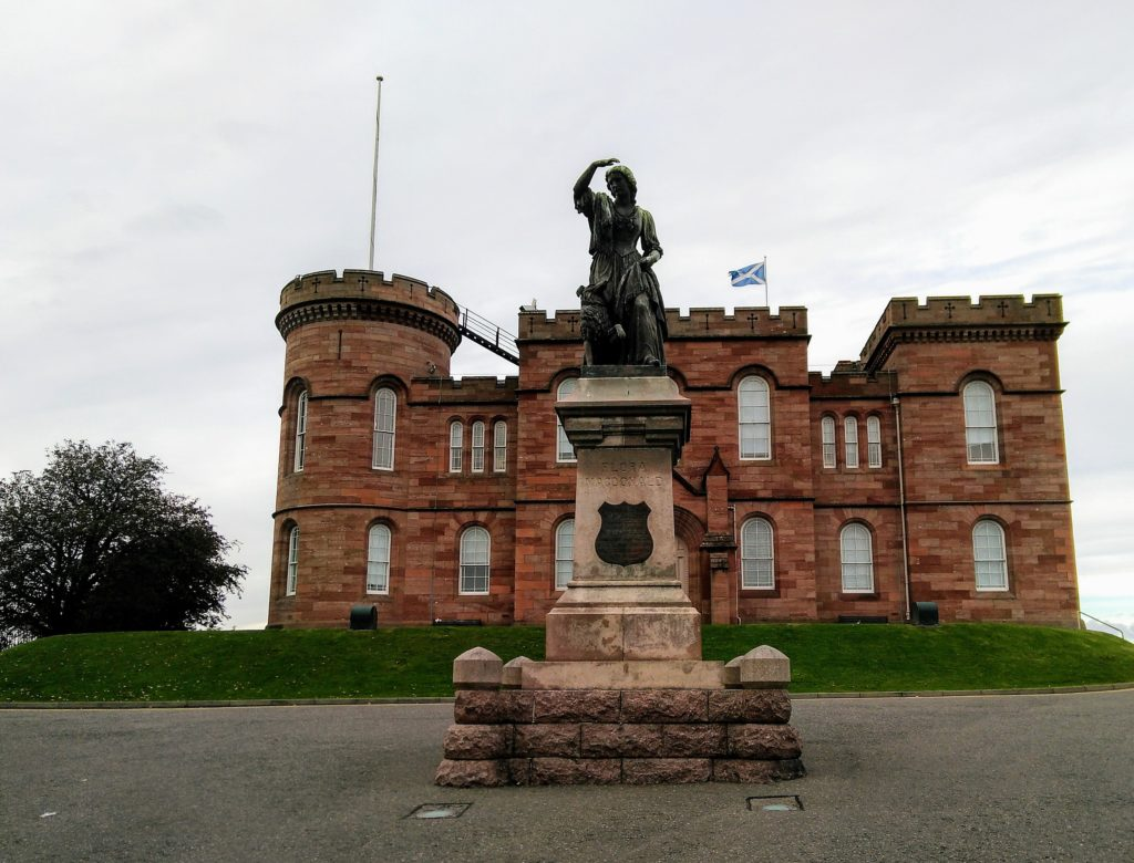 Castillo de Inverness en las Highlands, Escocia