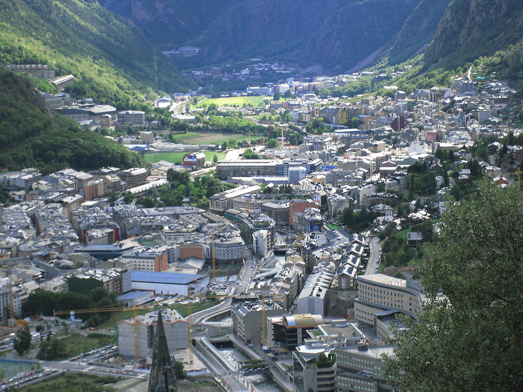 1024px Andorra la Vella 3