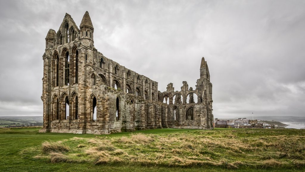 whitby abbey 2805489 1920