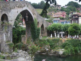 Puente sobre el Sella en Cangas de Onís