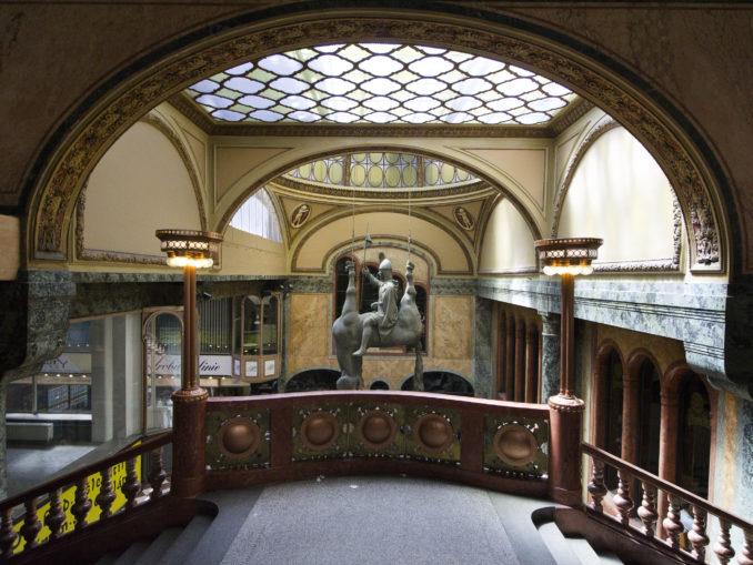 @Pavel Hrpa Palacio Lucerna Praga
