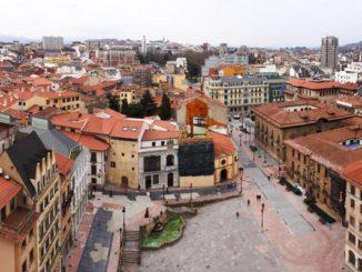 Panorámica de la Plaza Alfonso II (Oviedo)
